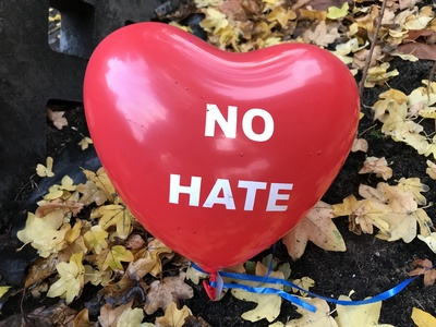 no hate - Herz zum Umgang mit Hass